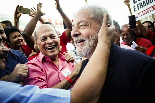 Lula dá início a caravana por Minas Gerais nesta segunda-feira (23)