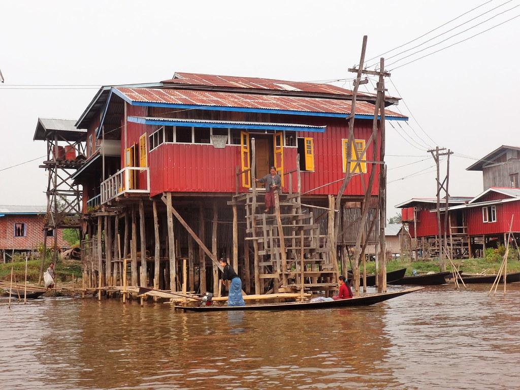 Dom na palach na Jeziorze Inle, Mjanma
