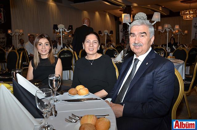 Cihan Aydoğan Zamanoğlu, Ayşe Aydoğan ve Alanya Beşiktaş Derneği kurucusu Cengiz Aydoğan