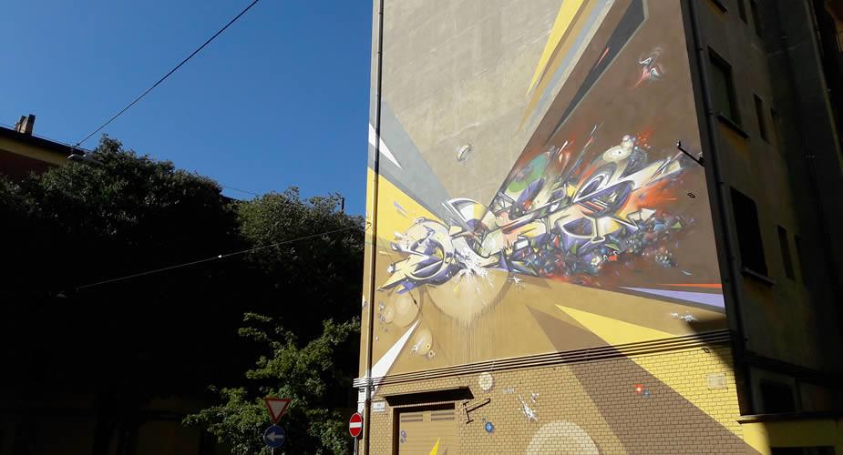 Fietsen in Bologna, street art Bologna: DOES | Mooistestedentrips.nl