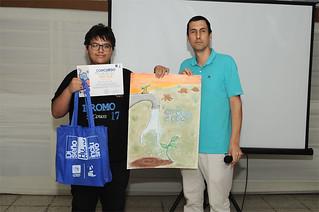 Gracias a la iniciativa de la Carrera de Arte y Diseño Empresarial, la Universidad San Ignacio de Loyola premió a los trabajos más destacados del Concurso de Carteles realizado en la ciudad de Ica, como parte de las actividades de la Feria de Carreras USIL.