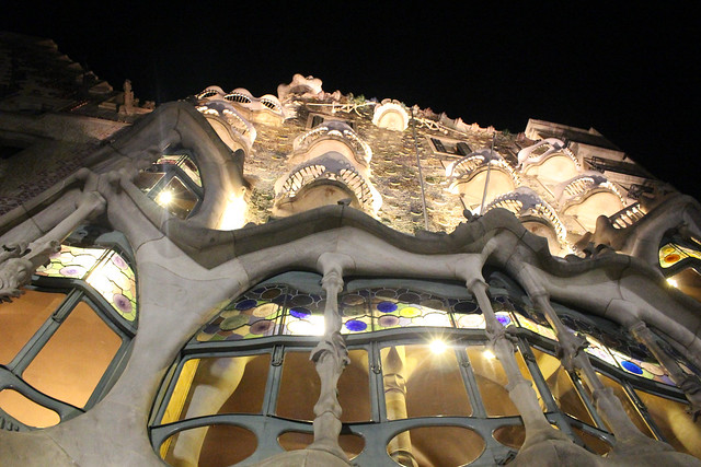 casa batllo by night barcelona