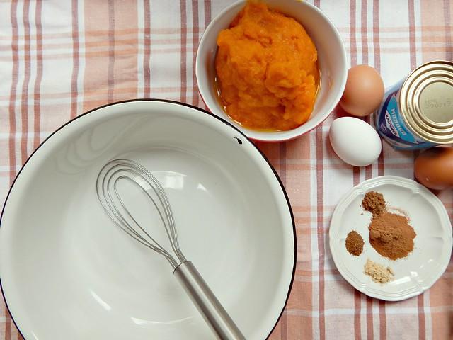 тыквенный-крем-ингредиенты-миска-венчик