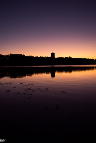 freemanlake crystallake massachusetts newengland sunrise colors dawn watertower lilypad 1740mm 6d