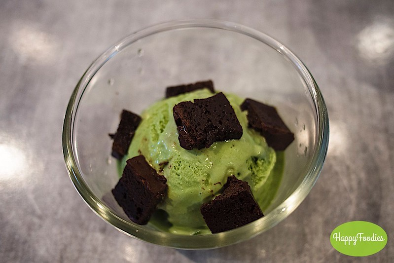 Valhrona Chocolate Brownies with Green Tea Ice Cream (P158)