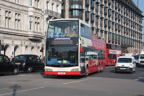Original London Sightseeing Tour VXE726 YJ11TVK