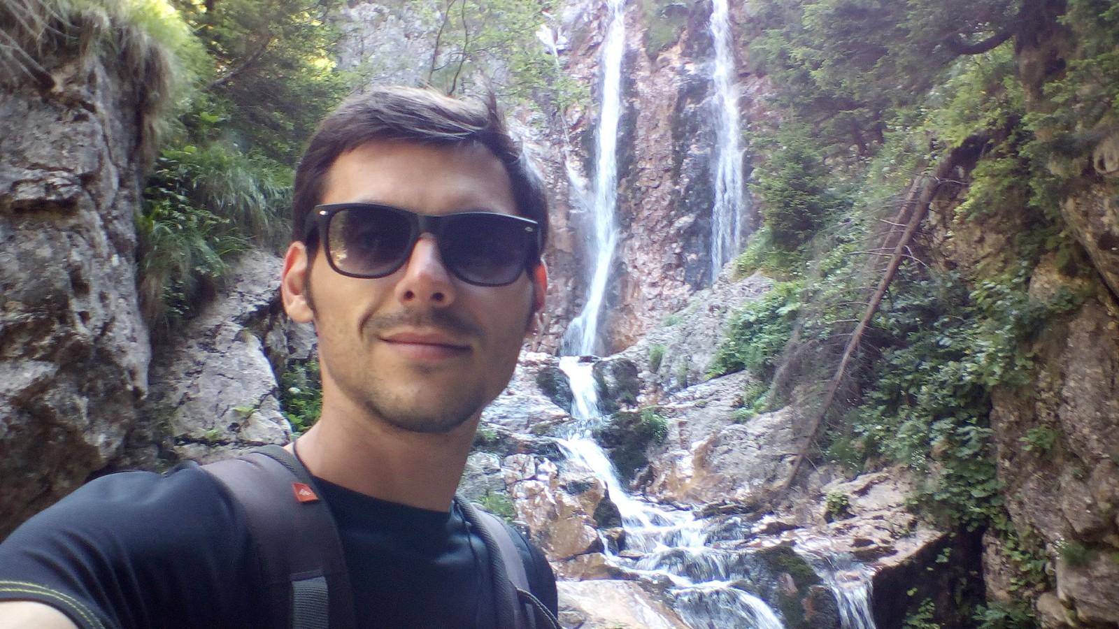 La cascada Moara Dracului.