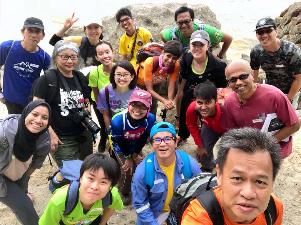 Teluk Kumbar youth hike