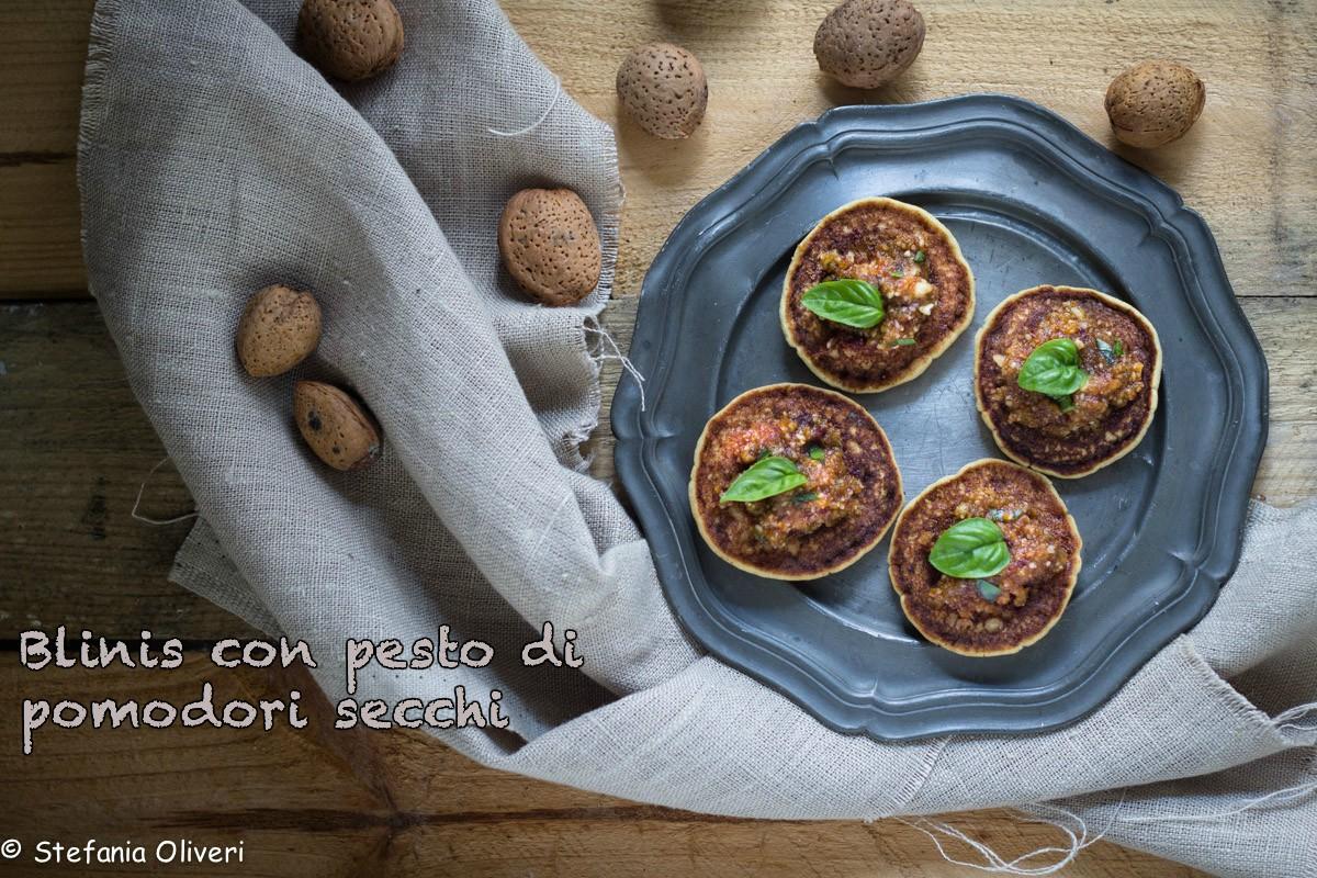 Blinis senza glutine con pesto di pomodorisecchi-8961_141