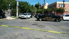 Policías se enfrentan a ladrones de autos de lujo en Guadalajara; hay tres detenidos