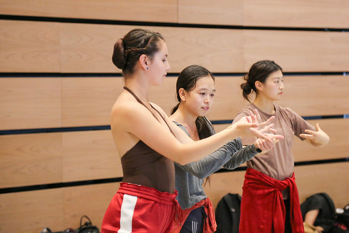 Akram Khan dancer Ching-Ying Chien leading master class with BFA students