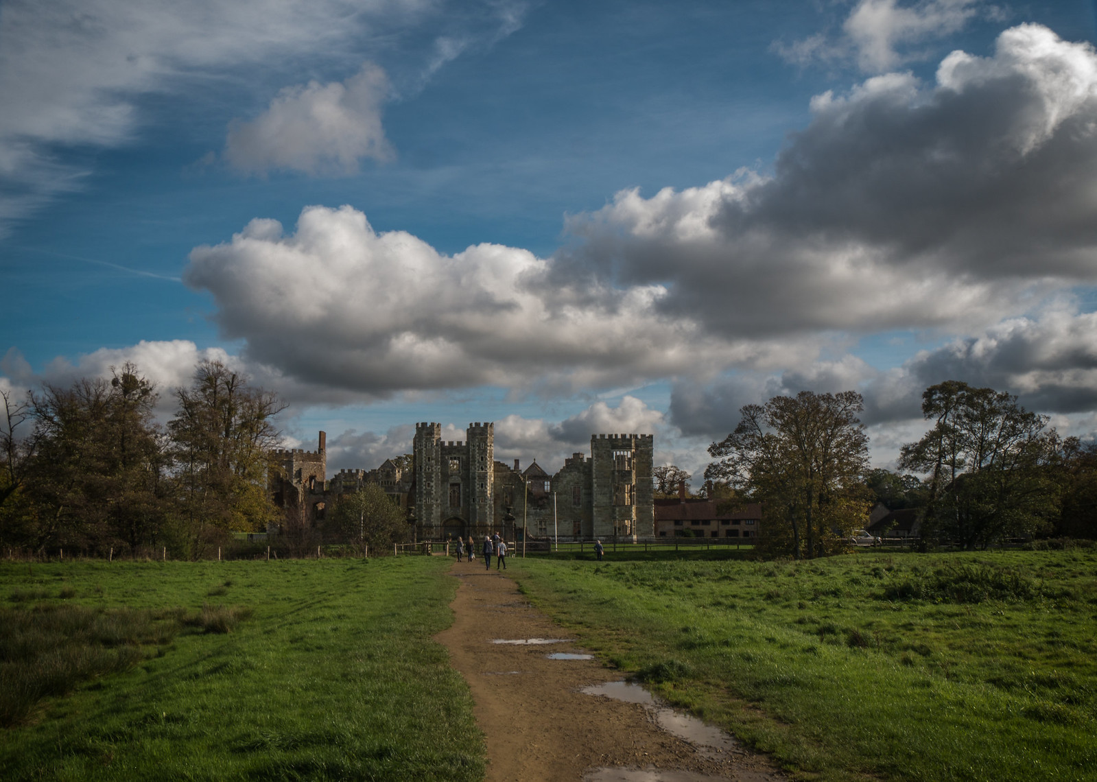 Cowdray House ruins, Panasonic DMC-G5, Lumix G Vario 14-140mm F3.5-5.6 Asph. Power OIS