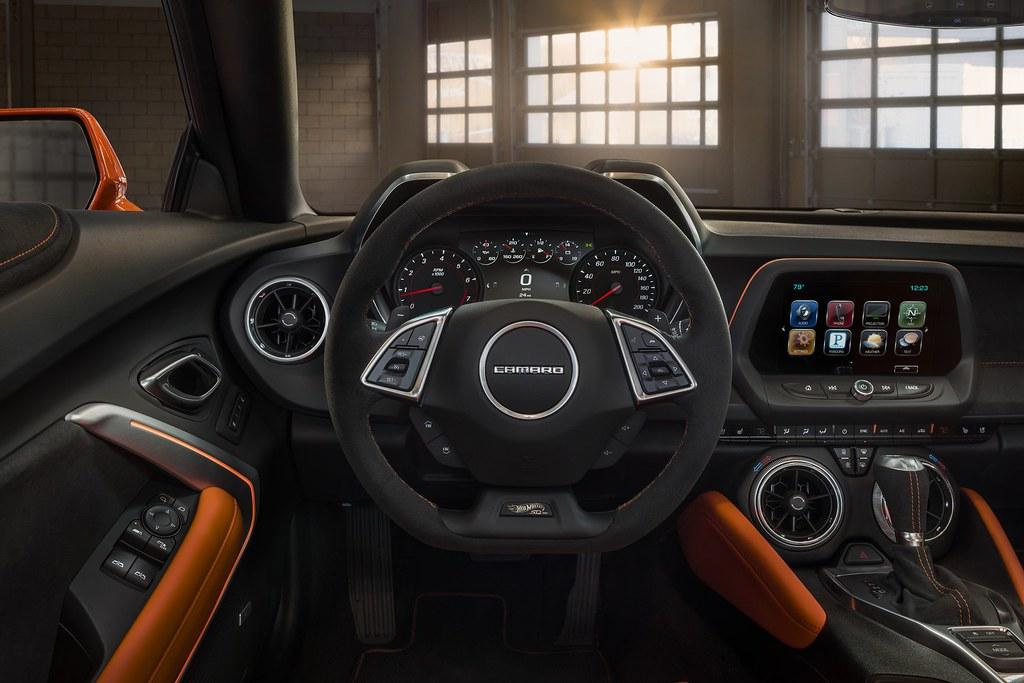 Chevy-Camaro-Hot-Wheels-5