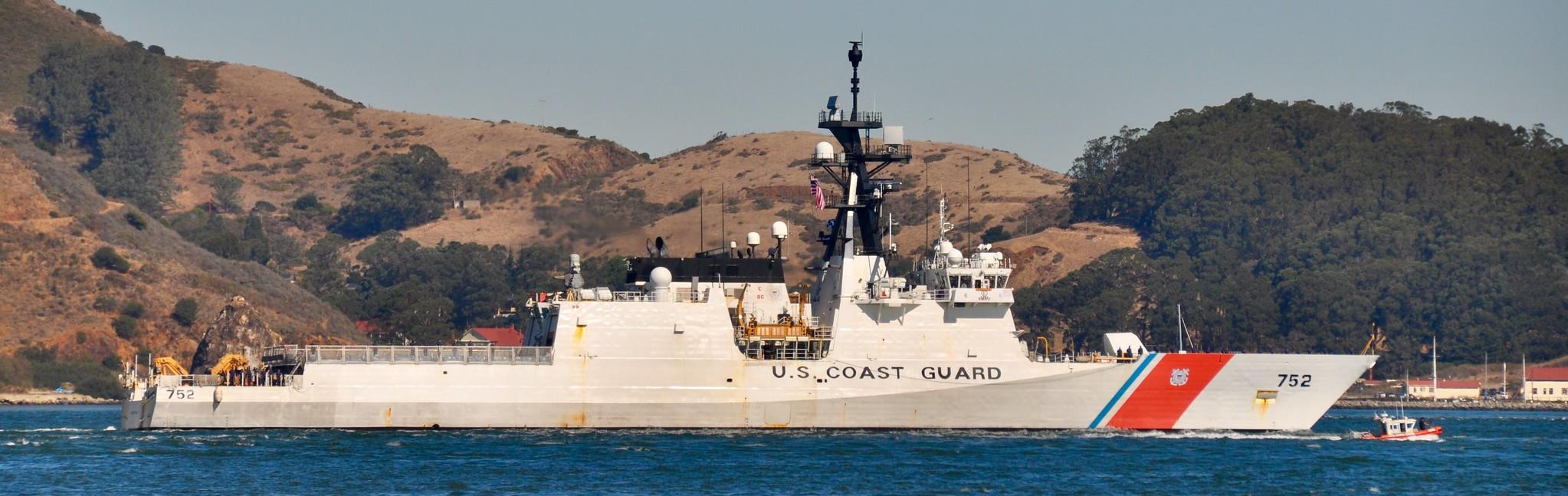 U. S. Coast Guard (garde-côtes des États-Unis) - Page 2 37977113461_b7847606f3_k