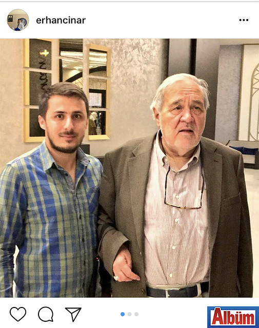 Erhan Çınar, AKM'de konferans veren ünlü tarihçi Prof. Dr. İlber Ortaylı ile birlikte hatıra fotoğrafı çektirdi.