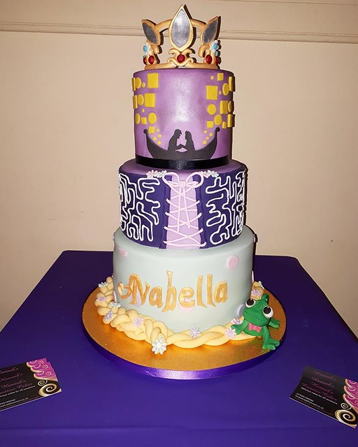 Cake by Hannah's Creative Cakes