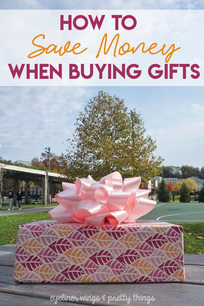 How to Save Money When Buying Gifts