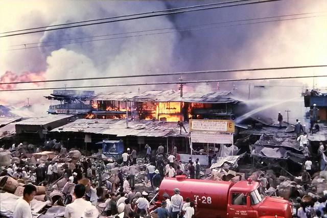 Saigon 1971 - Cháy chợ Cầu Muối trên đường Nguyễn Thái Học