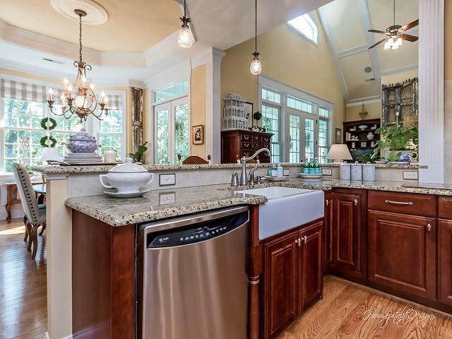 Kitchen-HousepitalityDesigns