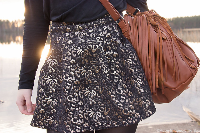 Only hame metallic print skirt reindeerleather bag leatherbag Ompelimo Rokita Asusteet