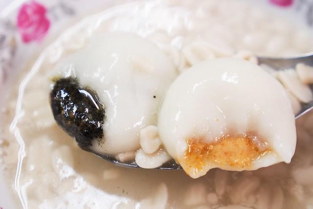八棟圓仔湯|台北南機場夜市小吃-冷天吃花生芝麻湯圓/花生紅豆湯