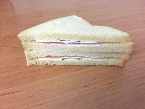 11 - Schinken-Käse-Sandwich / Ham cheese sandwich