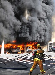 Multi-Vehicle Fire Threatens Valley Village Condominiums