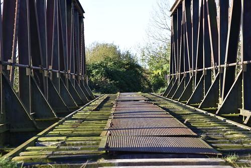Zwischen Schwabstedt und Norderstapel -  Eisenbahnbrücke über die Treene; Norderstapel, Stapelholm (8)