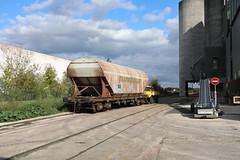 Manoeuvres au silo Valfrance - Photo of Les Chapelles-Bourbon