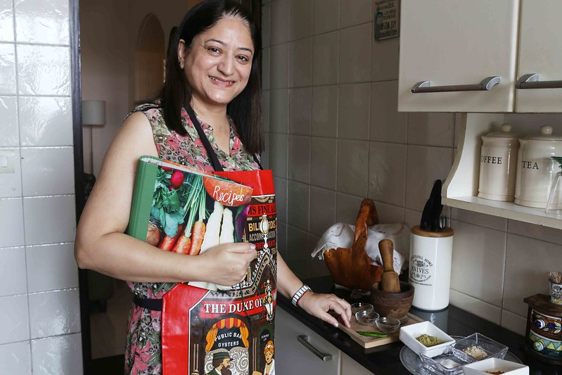 Julia Child in Delhi – Dr Shirali Raina Makes Her Kashmir's Leydhar Tschaman and Oluv, Noida Sector 61