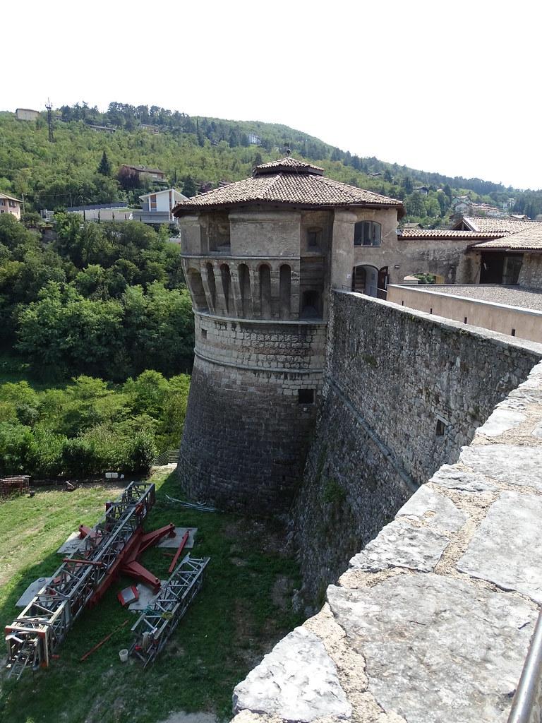 Castel pagan rovereto italy tripcarta - Piscina rovereto ...