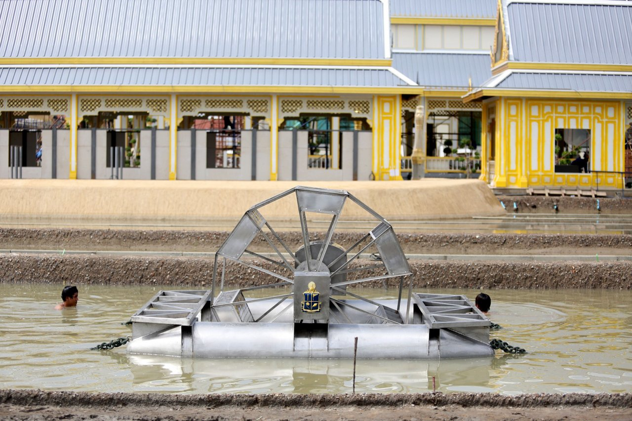 Chaipattana water aerator installed at Royal Crematorium, Sanam Luang, Bangkok. Photo from 'The Nation' newspaper, August 30, 2017