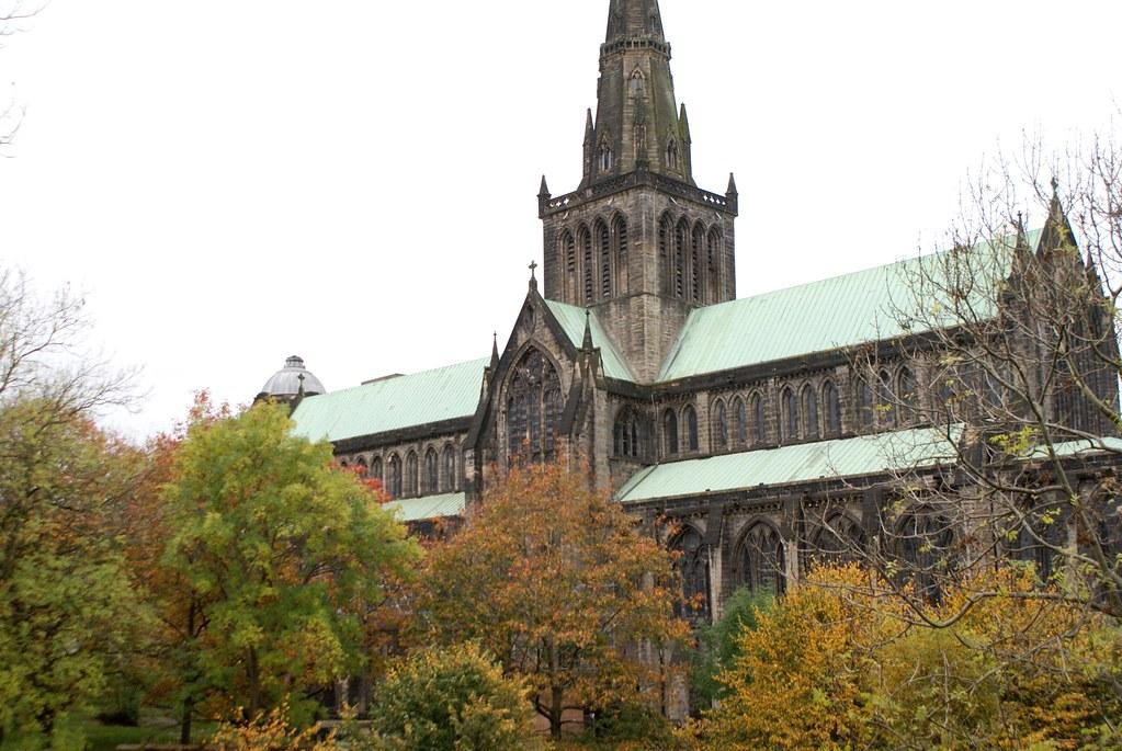 Vue sur la cathédrale de Glasgow depuis la Necropole.