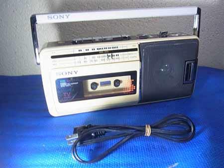 SONY CFM-140TV RADIO CASSETTE -CORDER 1983