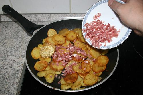 29 - Speckwürfel dazu geben / Add diced bacon