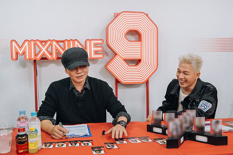 BIGBANG via URTHESUN - 2017-10-23 (details see below)