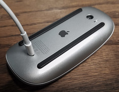Apple Magic Mouse 2.