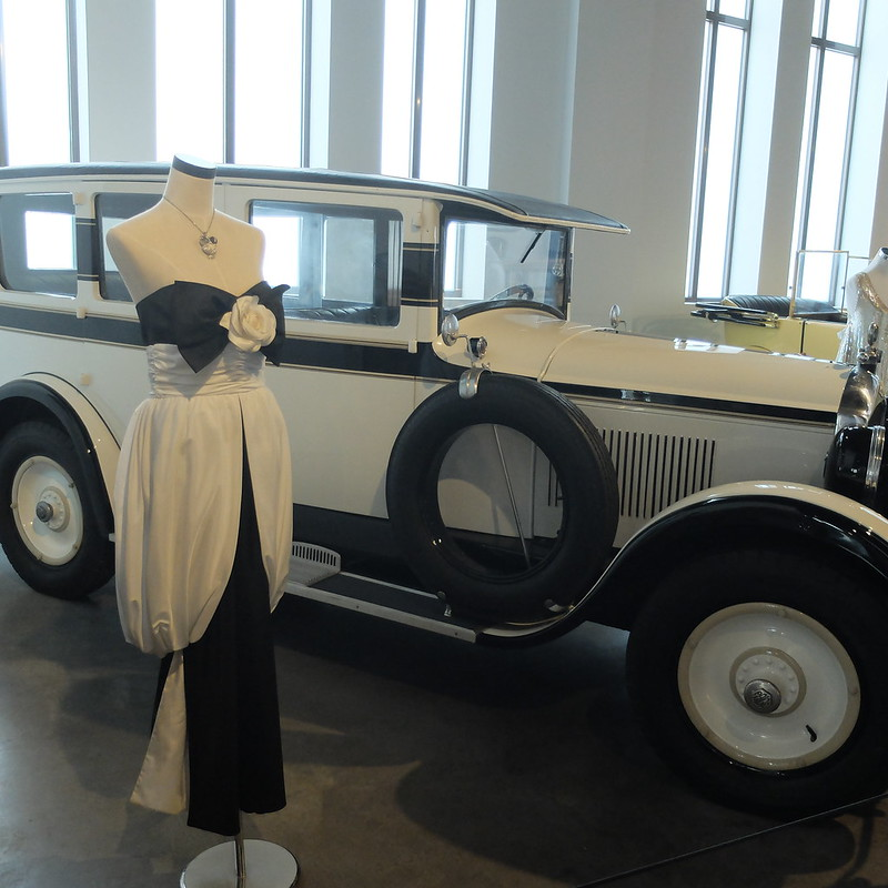 Malaga Automobile and fashion museum @porcelinasworld