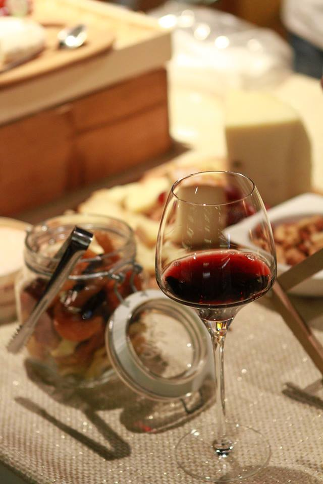 Wine and Cheese experience, L'ensemble Parfait with Wine Story