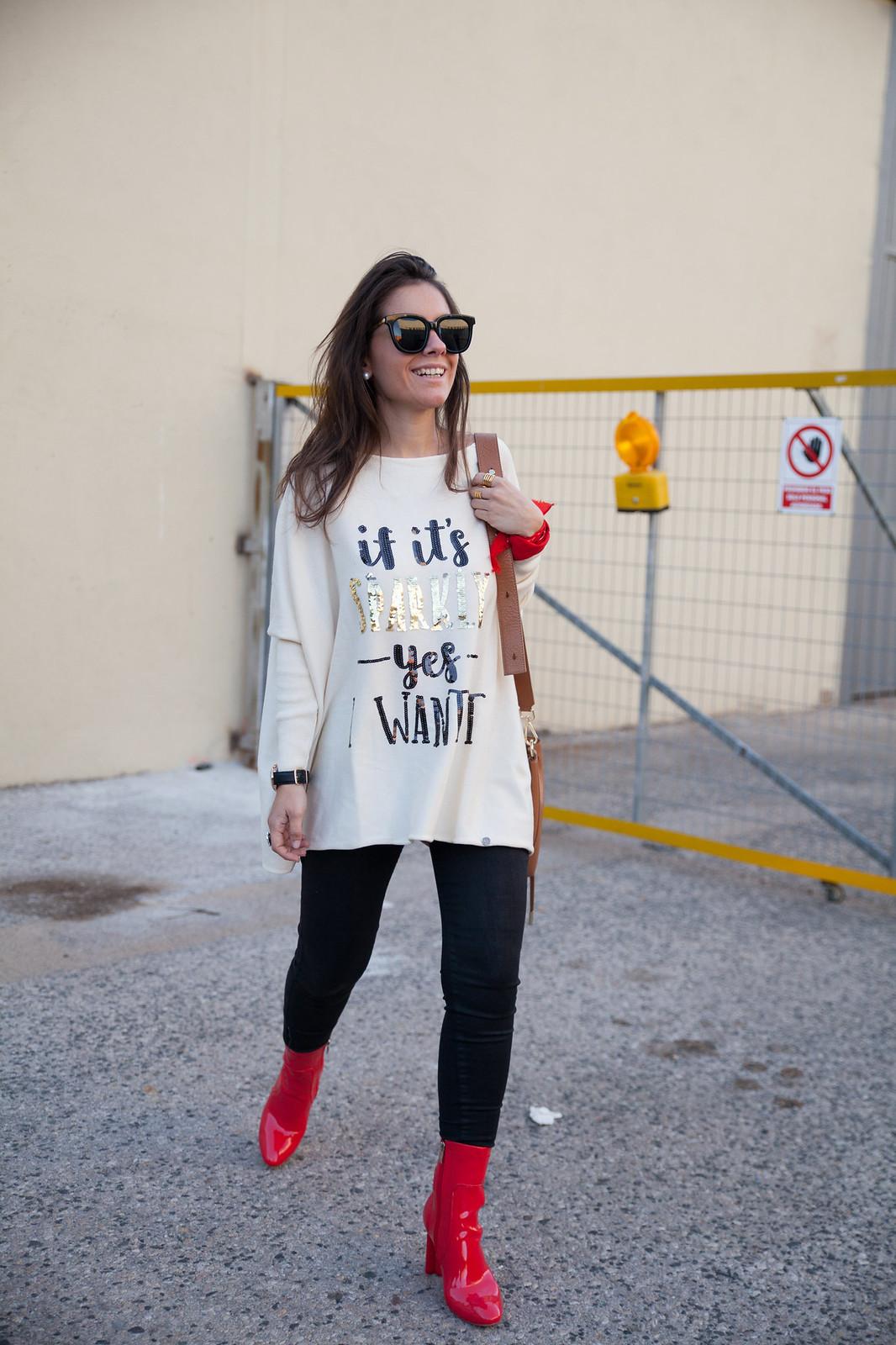 rojo cocacola rojo ferrari botas rojas charol tendencia moda rojo