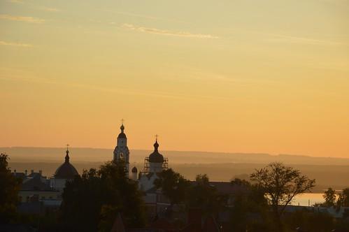 Свияжск, купола Успенского монастыря, закат