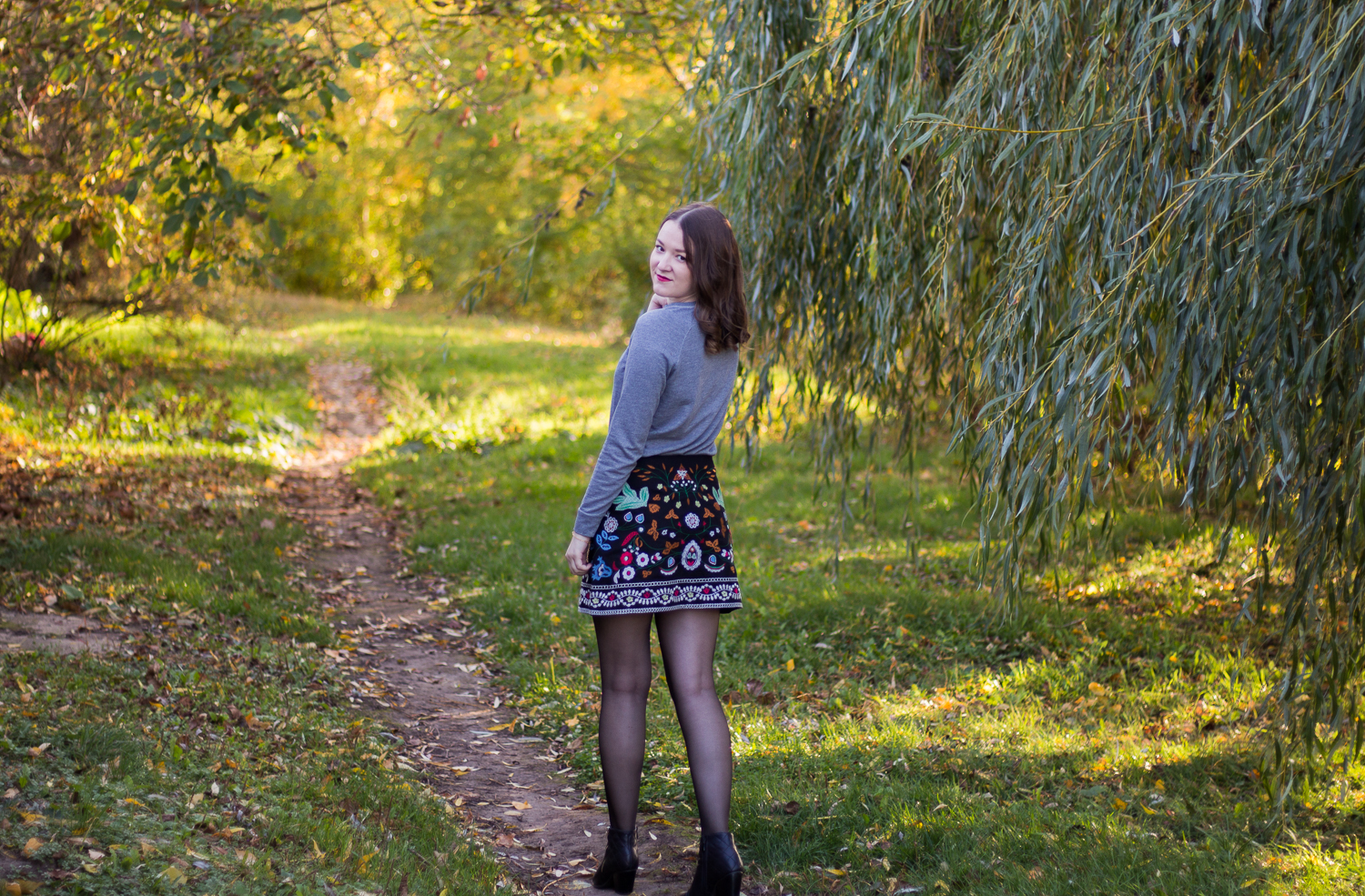 fall outfit skirt sweater