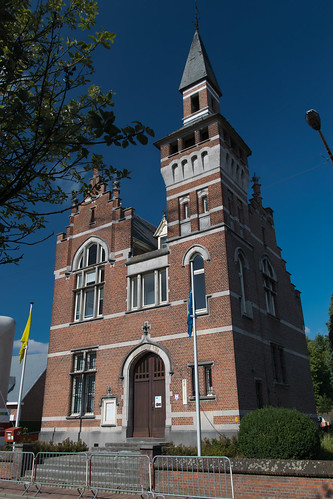 Halle, voormalig Gemeentehuis.
