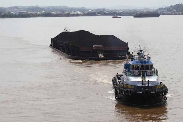 เรือขนถ่านหิน