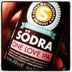Dricker One Love IPA, tillverkad i/på/av Södra Maltfabriken. Trevlig!