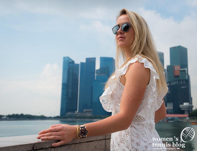 Elina Svitolina roams Singapore for WTA Finals photoshoot