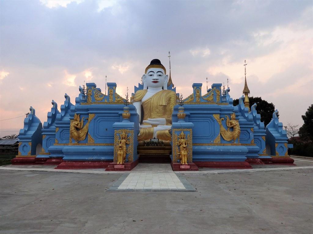 Kyaut Phyu Gyi Pagoda, Nyaung Shwe Birma