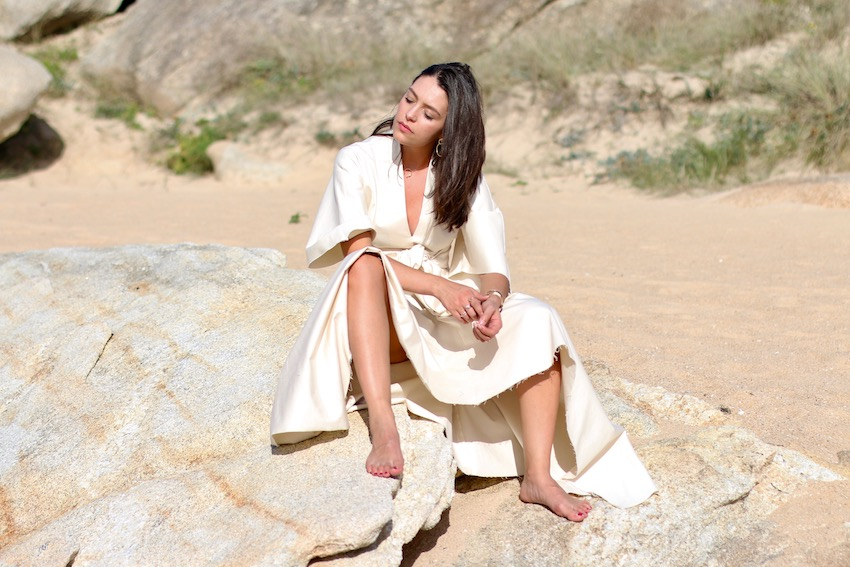 vestido asimétrico blanco