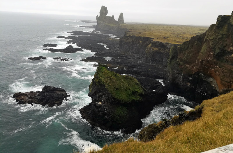 thufubjarg-cliffs-londrangar-stacks