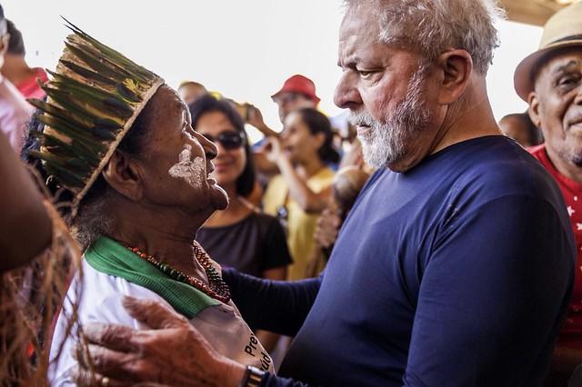 """""""Nosso sangue tem DNA guerreiro"""", diz jovem indígena pankararu em encontro com Lula"""